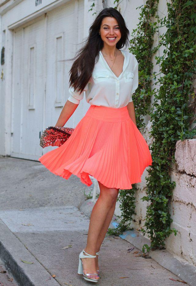 Como usar saias plissadas
