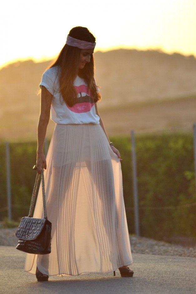 Bege saia plissada Outfit Idea