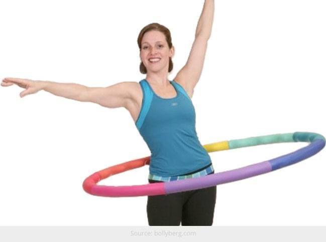 Hula-hoop ajuda a manter a sua barriga lisa: maneiras divertidas para fazer isso