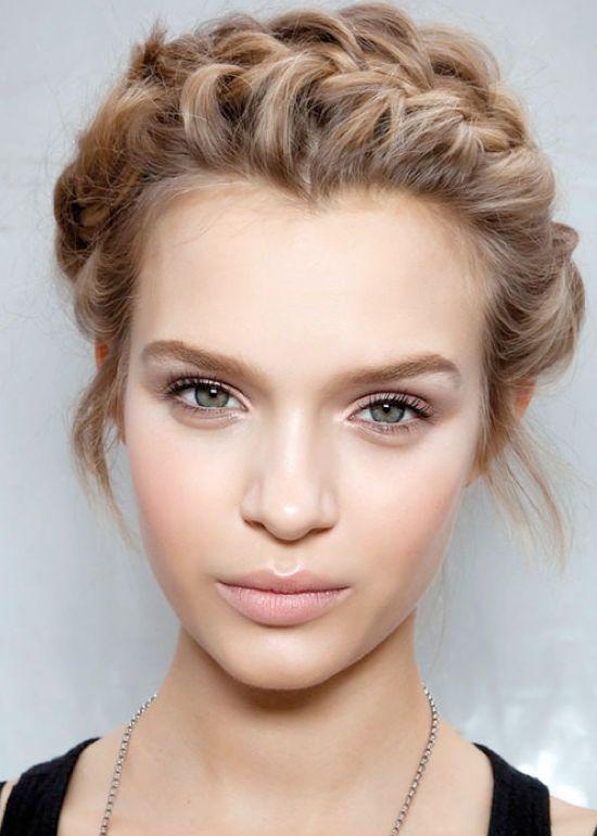 Casamento penteados ideais e ideias de maquiagem para loiras