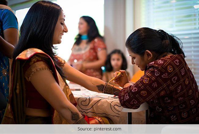 Indianos desenhos mehndi nupcial: a sua substância em casamentos indianos
