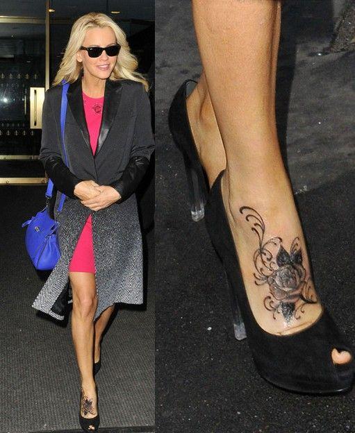 Tatuagens de jenny mccarthy - linda rosa tatuagem no pé