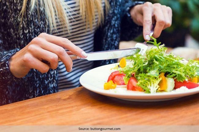 Ir iniciar o plano de alimentação saudável com uma dieta de alimentos crus