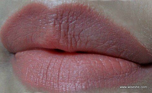 lipswatch Lakme Absolute Matte Apricot do Rush
