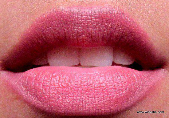 Lakme 9 a 5 batom fosco Lip Color Red Chaos Lip Swatch +
