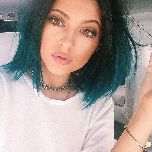 Última tendência cor do cabelo: cabelo azul sonhadora