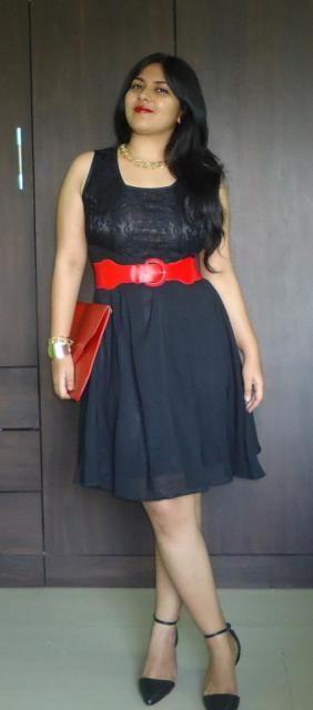 OOTD: preto Vestido de renda, com tira no tornozelo Bombas