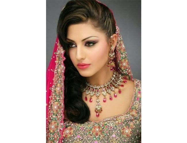 Penteados de noiva paquistaneses