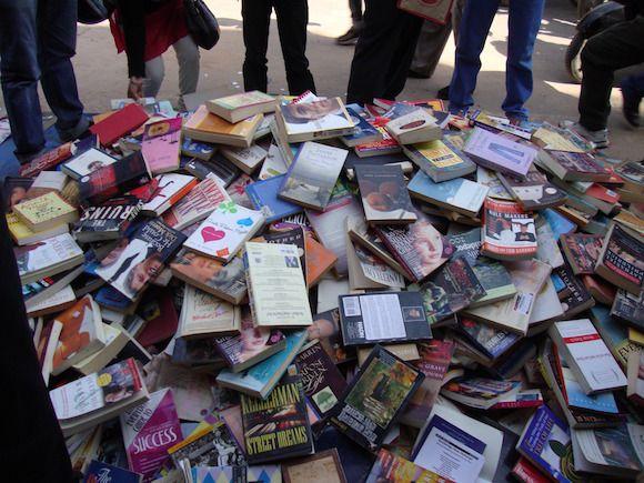 Paraíso para os amantes do livro: daryaganj mercado do livro + v-log