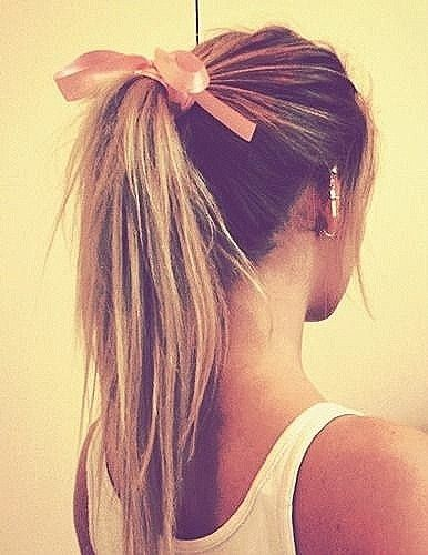 Penteados ponytail para as mulheres jovens