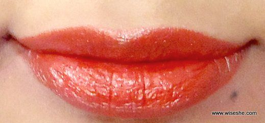 Revlon Spicy Red Velvet Toque Lipswatch