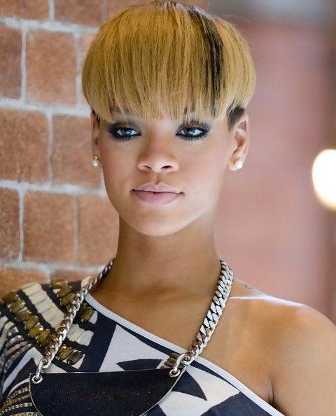 Rihanna Penteados: Interessante Bacia Cut