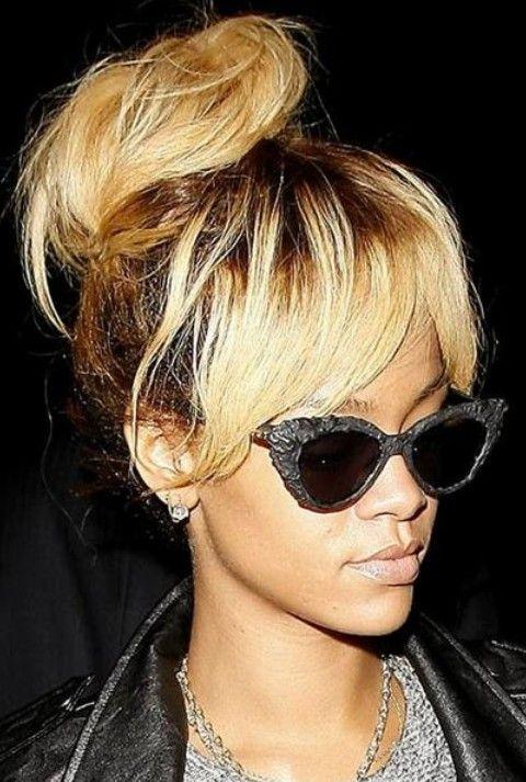 Rihanna Penteados: Classy solto Bun