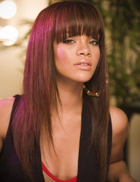 Rihanna penteados longos: Lovely Layered Haircut com Blunt Bangs