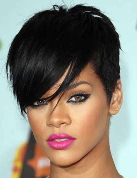 Rihanna Penteados: Trendy Pixie corte de cabelo