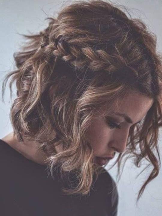 Penteados bagunçados românticos para todas as mulheres