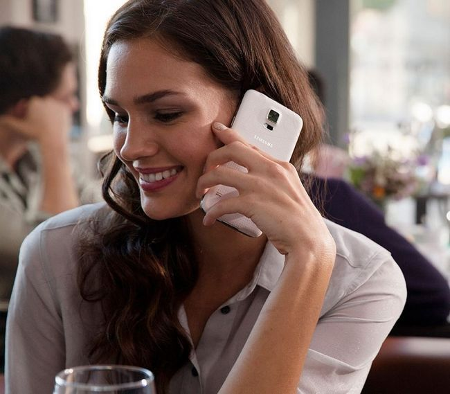 Samsung galaxy s5: presente perfeito para uma mulher elegante com ajuste engrenagem