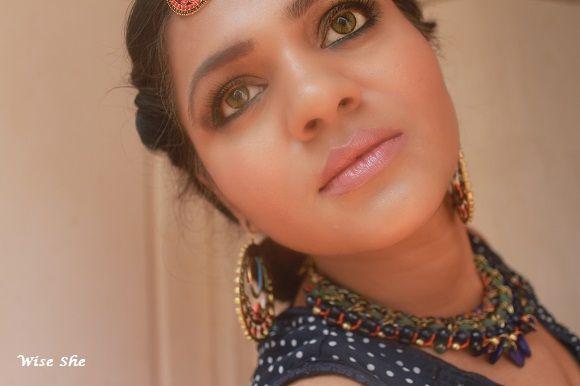 Macio olhar princesa árabe - para dizer-lhe de longe