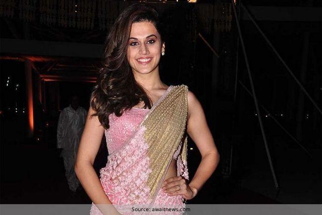 Taapsee pannu mantém feminina e graciosa em um sari