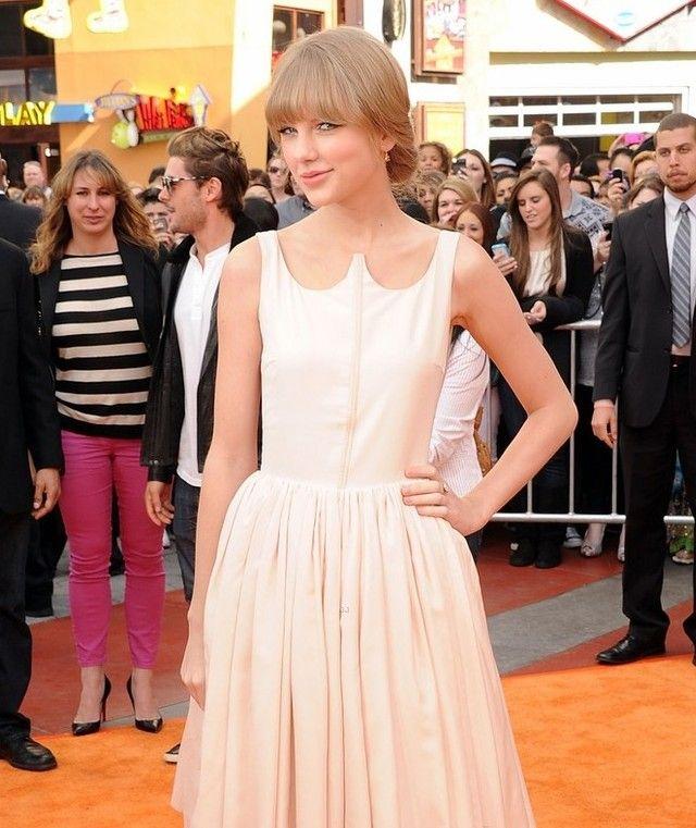 Taylor Swift cabelo - Up-do penteado com franja