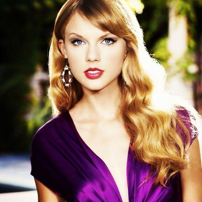 Taylor Swift Cabelo - Long ondulado penteado com franja lateral