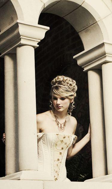 Taylor Swift Cabelo - Casamento Up-do penteado