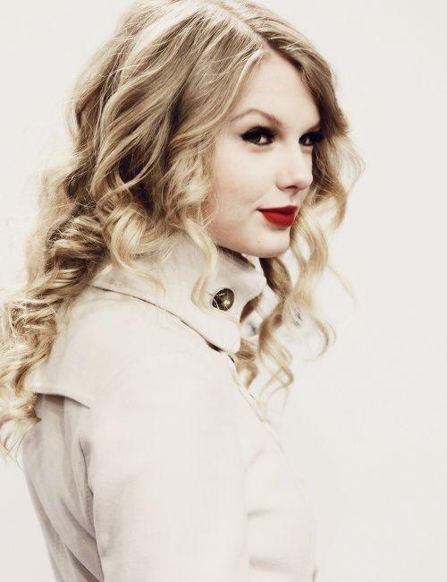 Taylor Swift Cabelo - Penteado ondulado longo