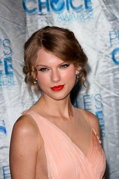 Taylor Swift cabelo - Up-do penteado