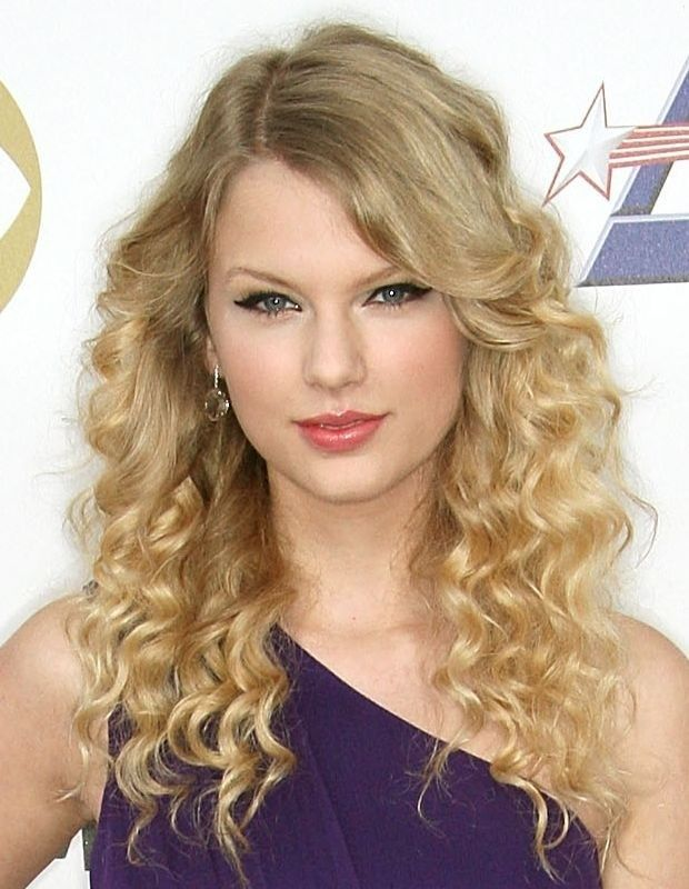 Taylor Swift Cabelo - Penteado Curly Longo Ondulado