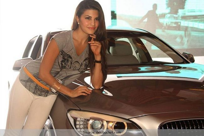 A coleção de carros atriz - belezas fascinantes sobre rodas