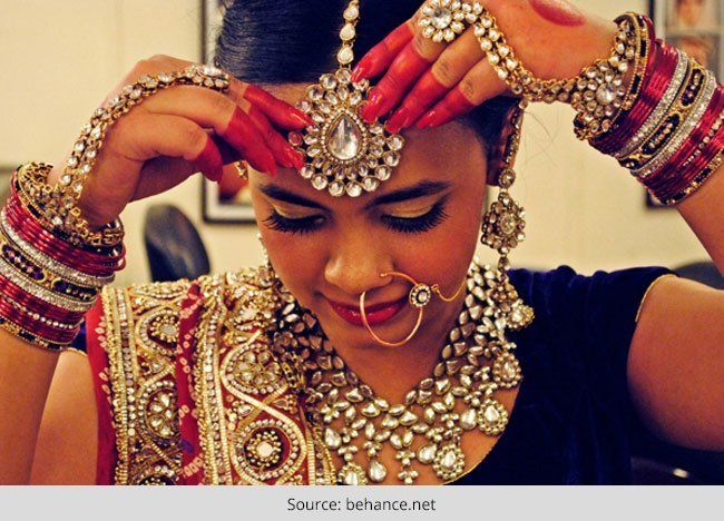 A noiva bonita gujarati - penteado de noiva, saree nupcial e mais
