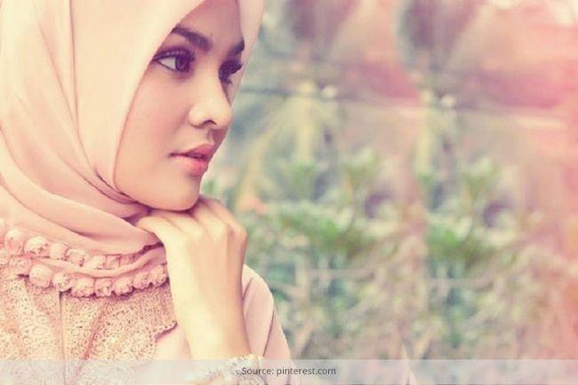 A moda hijab: a natureza recatada de vestuário islâmico