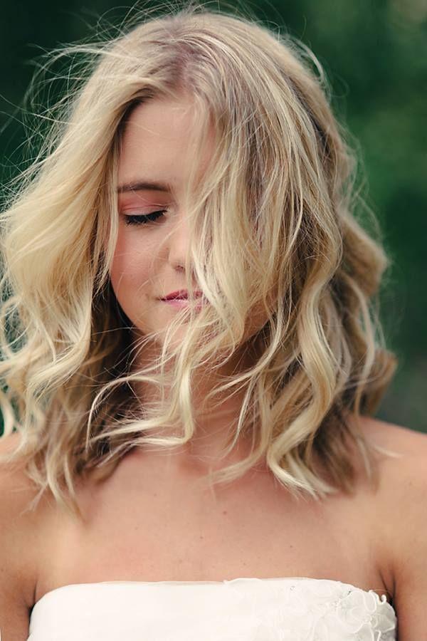 Top 10 penteados ondulados mais glamourosos para o cabelo na altura dos ombros