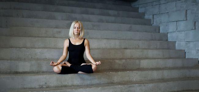 Top 10 poses de ioga para melhorar sua memória