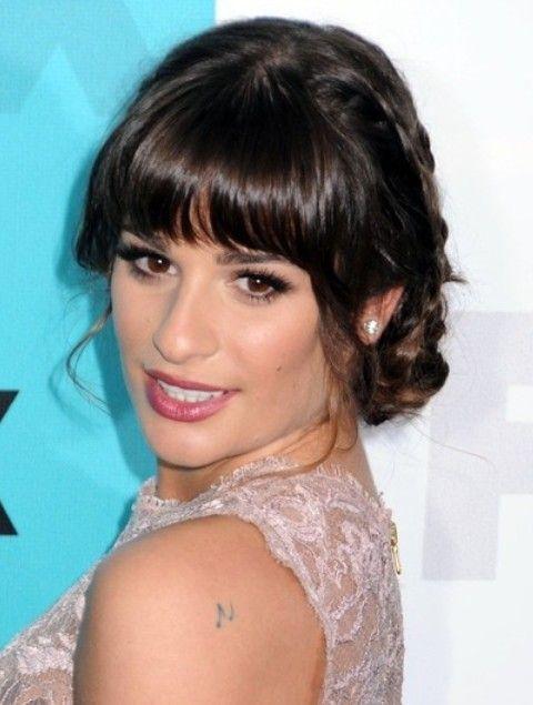 Lea Michele Penteados: Consideravelmente trançado Updo
