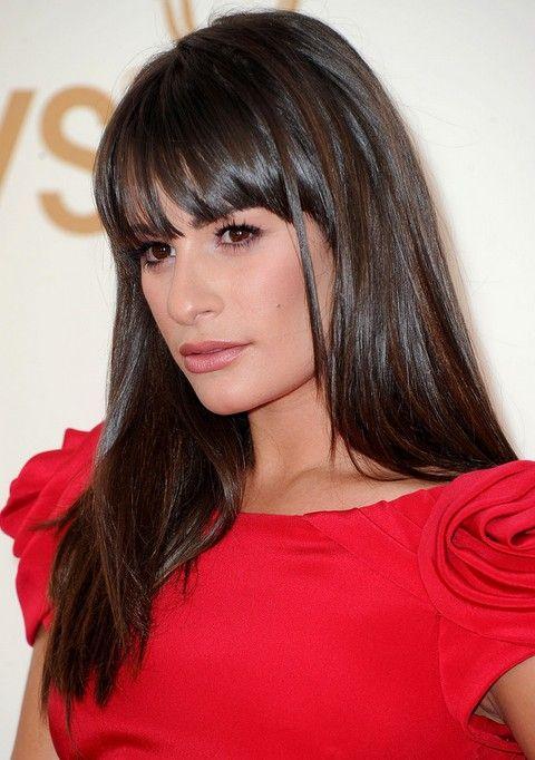 Lea Michele Penteados: Corte de cabelo em linha reta Glossy