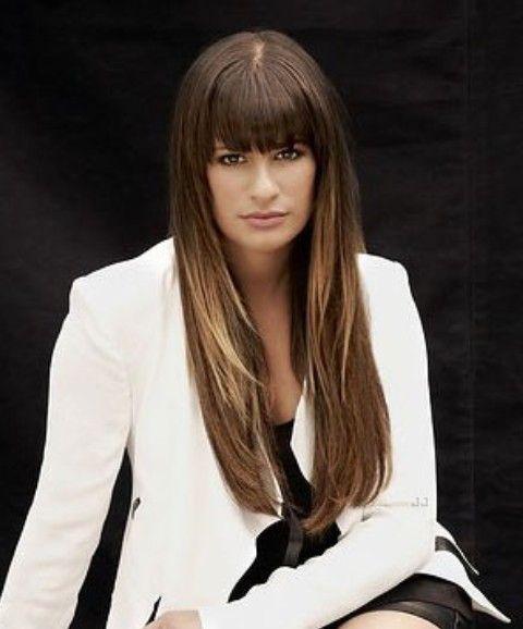 Lea Michele Penteados: Corte de cabelo reto com Blunt Bangs