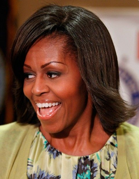 Michelle Obama Penteados: Penteado flip Feathered