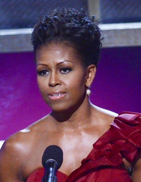 Michelle Obama Penteados: Fixado acima Ringlets