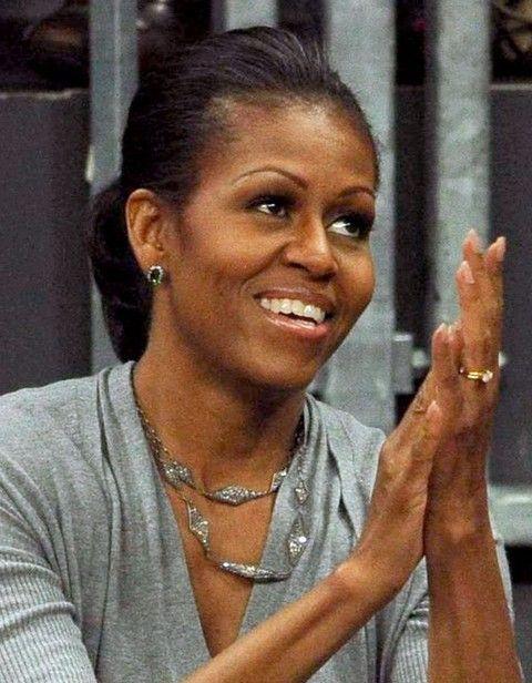 Michelle Obama Penteados: rabo de cavalo curto
