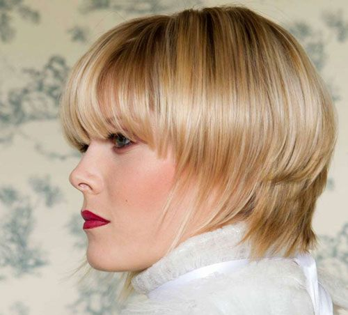 Haircut Liso Curto para Cabelo Louro