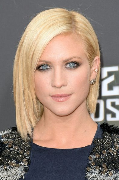 Brittany Snow Short Cut Hetero