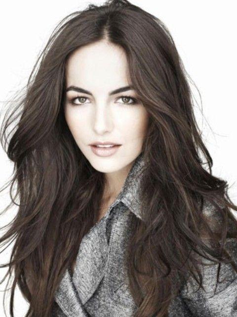 Camilla Bella Penteados: Elegante Centro-separaram penteado reto