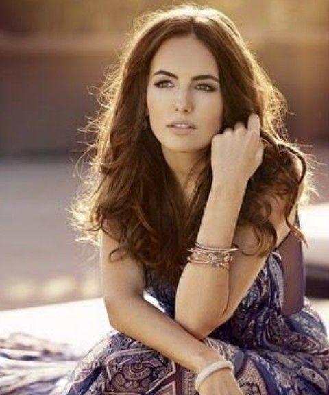 Camilla Bella Penteados: Shaggy-despenteado cabelo Moreno