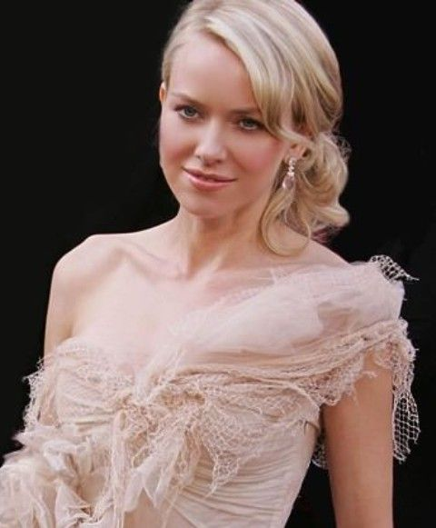 Naomi Watts Penteados: French Twist