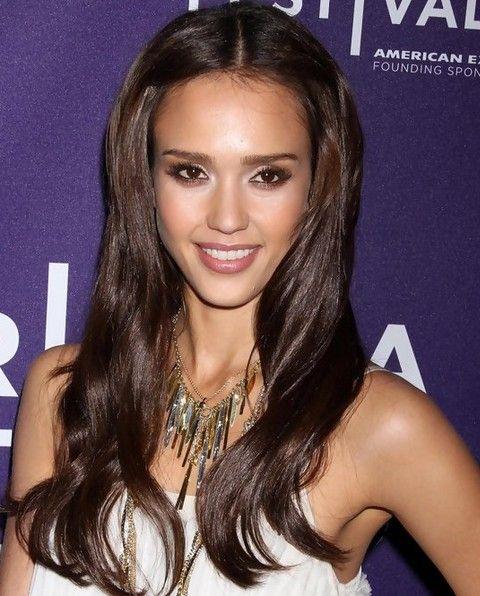 Jessica Alba penteados longos: Penteado Adorável tempo o centro-se separaram