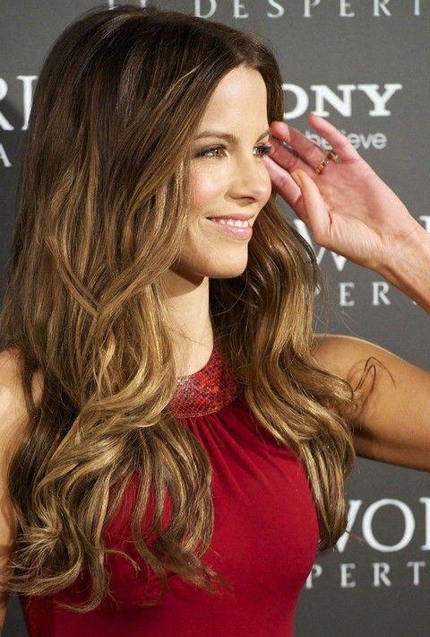 Kate Beckinsale Penteados: Ondas longas de Ouro