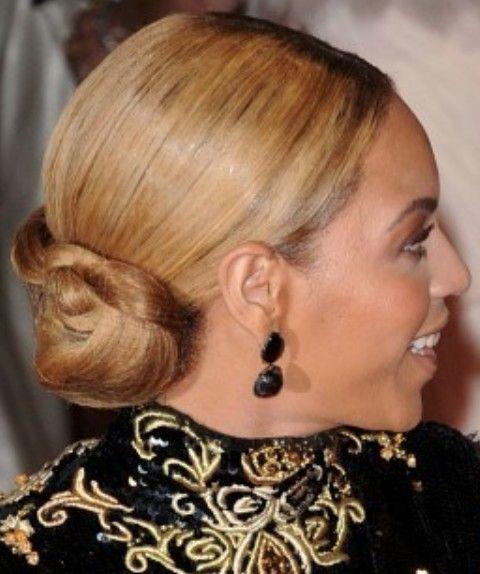 Beyonce penteados: clássico Bun elegante trançado por Mulheres elegantes