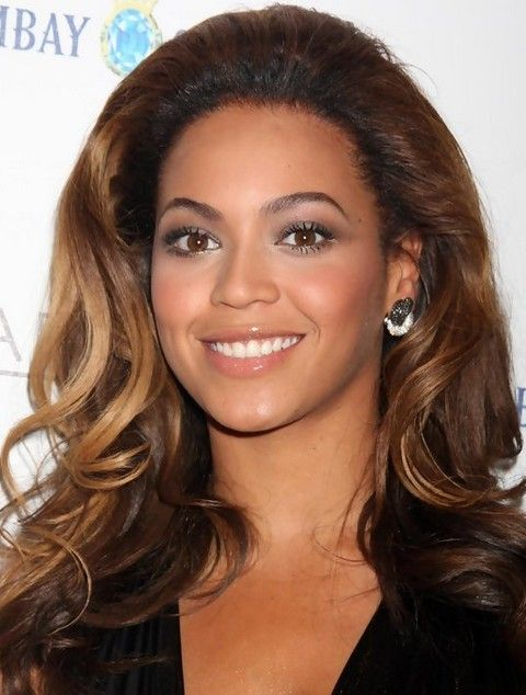 Beyonce penteados: Chocolate Super-chic Ombre ondulado longo Haircut