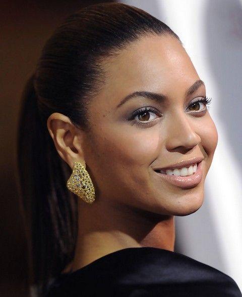 Beyonce penteados: rabo de cavalo Fascinante para rosto oval